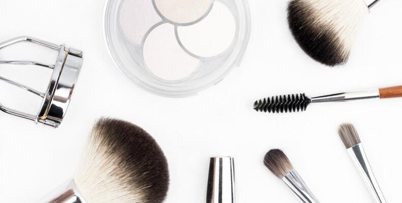 Organizacja kosmetyczki - DIY