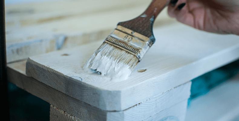 designerskie dodatki do domu malowanie mebli