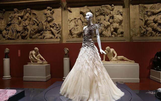 Alexander McQueen - haute couture w rytmie punk