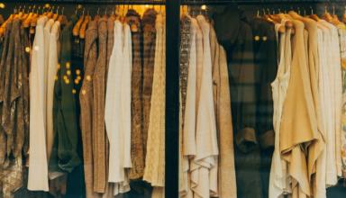 Hurtownie outletowe – standard w zakupach