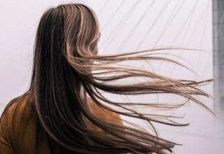 Jak wyglądają rozdwojone końcówki włosów